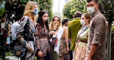 D&G Holds Physical Catwalk After Etro An Italian Retail Brand In Coronavirus Times